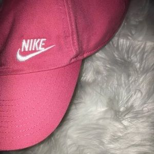 Accessories - Pink women's Nike Hat